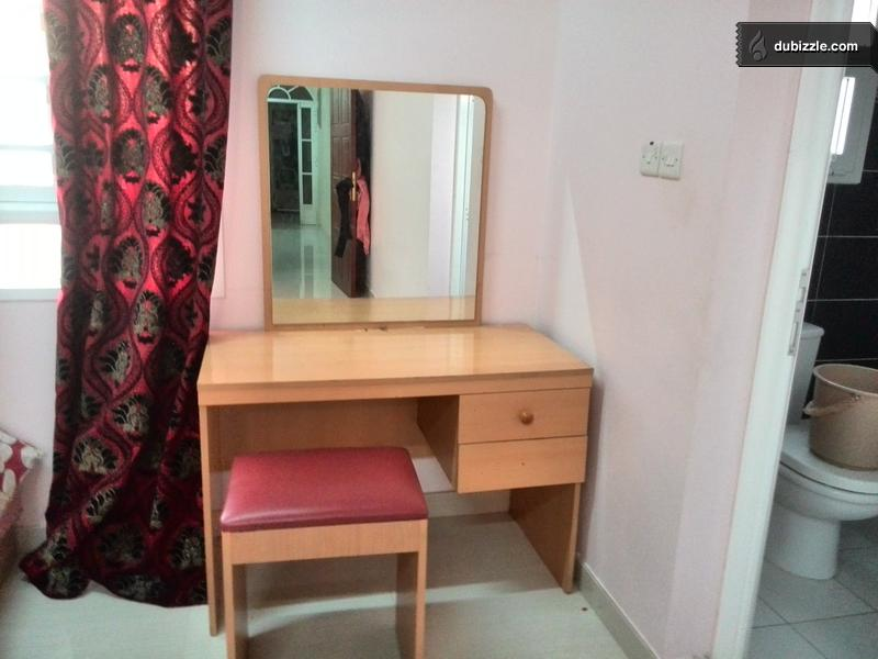 Dressing Table In Good Condition For Sale Olx Dubizzle Oman