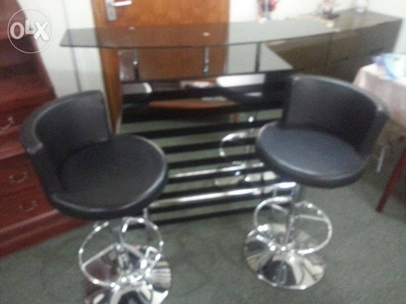 Bar Counter Table For Urgent Sale Olx Dubizzle Oman