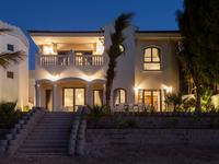 Stunning 4 Bed Villa, Frond M, Palm...