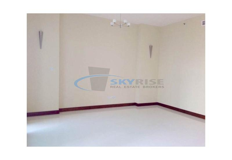Spacious!!! 1 Bedroom Apart Available Fo