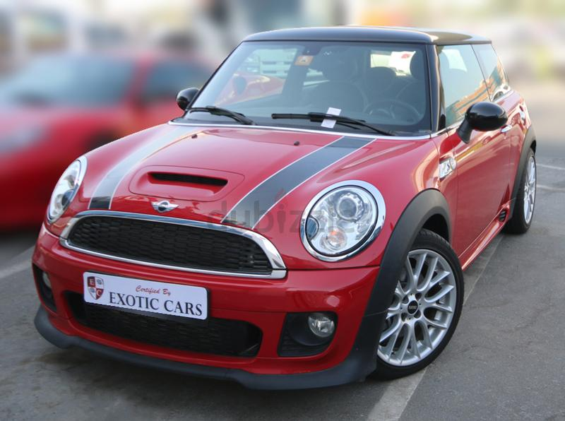 dubizzle dubai cooper mini cooper s jcw 2013 red black 2 000 km service contract till sep 2016. Black Bedroom Furniture Sets. Home Design Ideas
