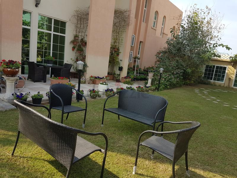 Dubizzle Dubai Garden Furniture Garden Set Of 2seater And 2 Single Chairs N A Table