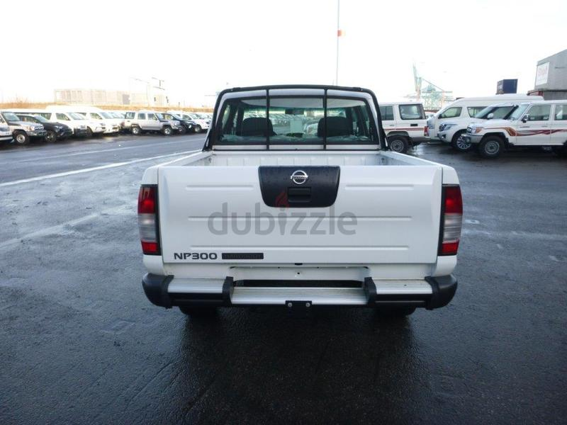 Dubizzle Dubai Other Nissan Np300 Hard Body 2 5l Diesel
