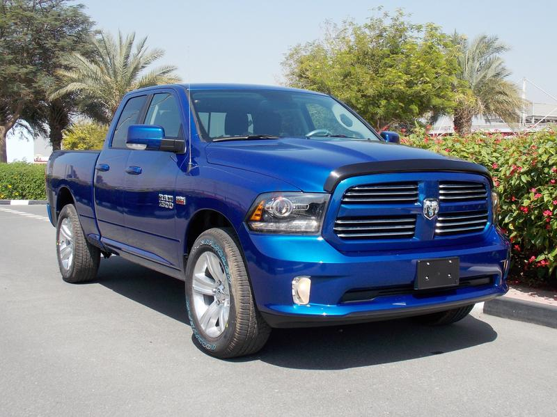 dubizzle dubai ram 2016 ram 1500 sport quad cab 4x4 at 5 7l hemi v8 395 hp. Black Bedroom Furniture Sets. Home Design Ideas