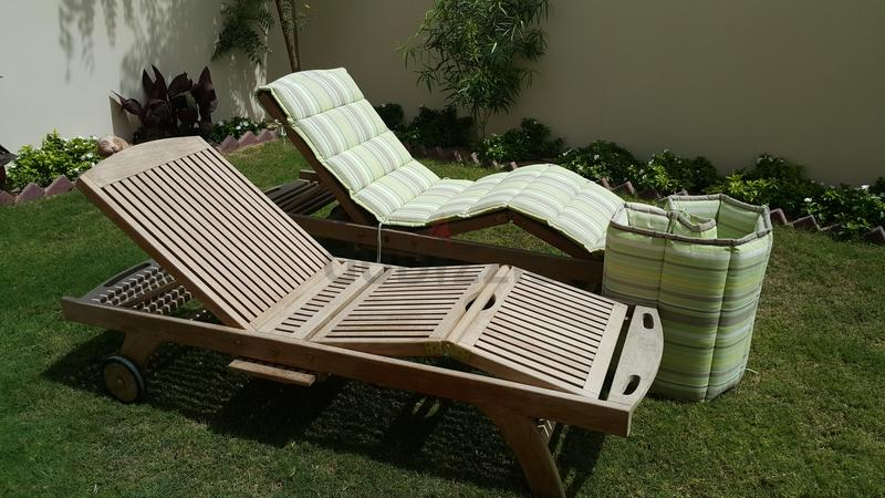 Dubizzle Dubai Garden Furniture Very Comfortable Sun Chairs And Umbrella