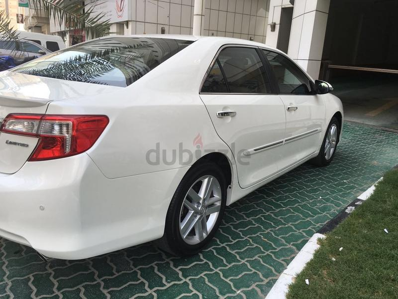 dubizzle dubai camry toyota camry 2015 very clean under warranty 28 000. Black Bedroom Furniture Sets. Home Design Ideas