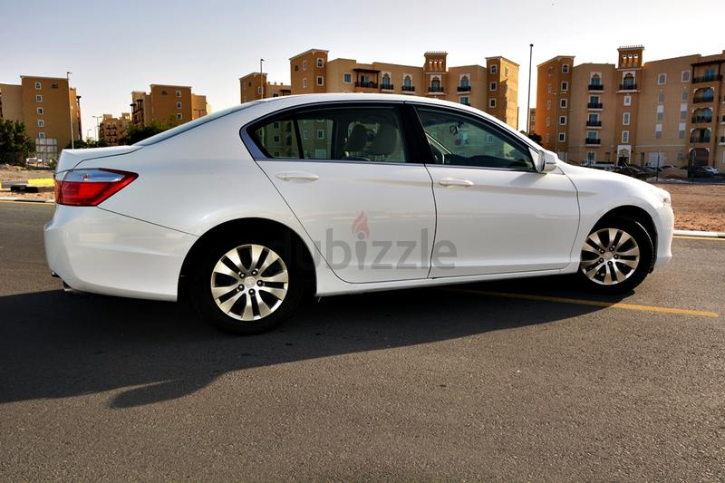 dubizzle dubai accord honda accord 2013 gcc mint condition possible bank loan 1060 month. Black Bedroom Furniture Sets. Home Design Ideas