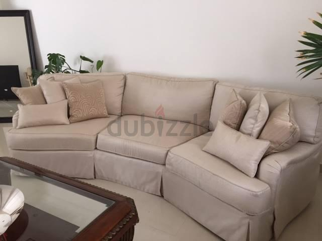 Dubizzle Dubai Sofas Futons Lounges Henredon Wedge Sofa 2 Armchairs 40 000 New