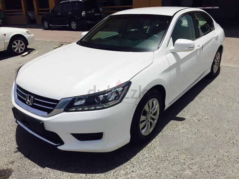 dubizzle dubai accord honda accord 2014 model white gcc under warranty. Black Bedroom Furniture Sets. Home Design Ideas