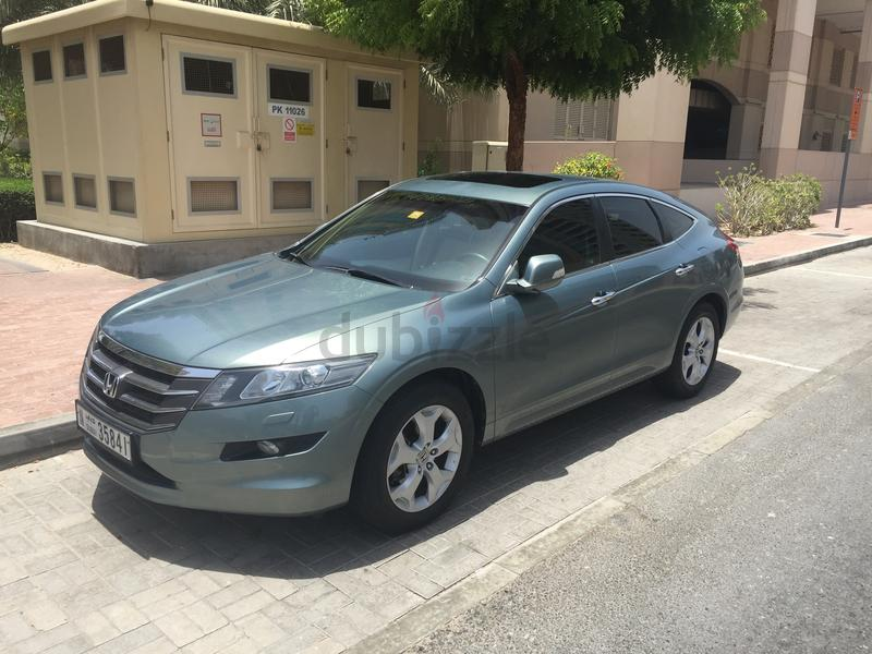 dubizzle dubai crosstour honda crosstour v6 2012 servicing warranty to 2018. Black Bedroom Furniture Sets. Home Design Ideas