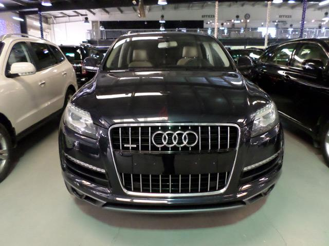dubizzle dubai q7 2012 audi q7 quattro supercharged. Black Bedroom Furniture Sets. Home Design Ideas
