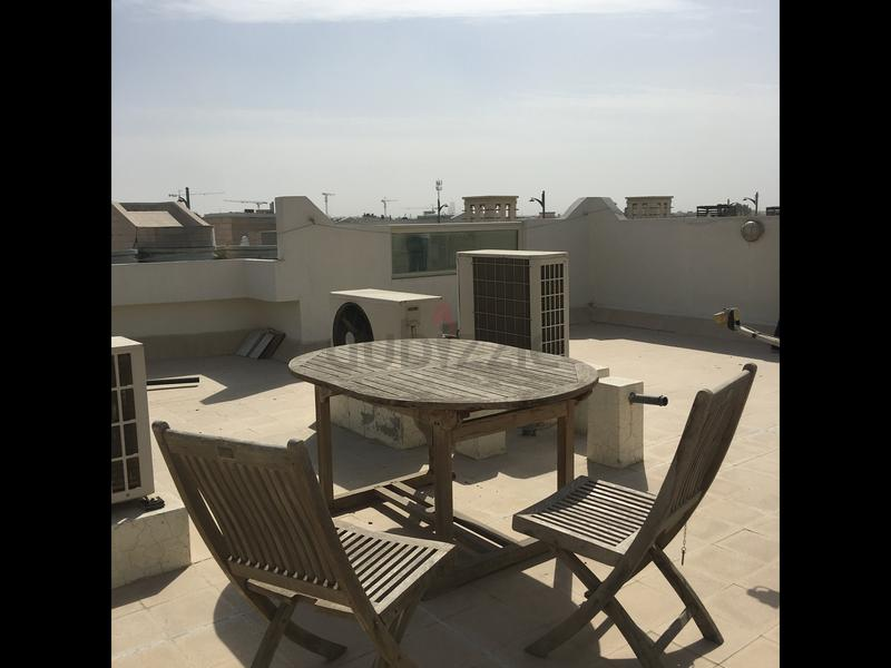 Real Teaic Garden Table With 6 Chairs   AED 1,400