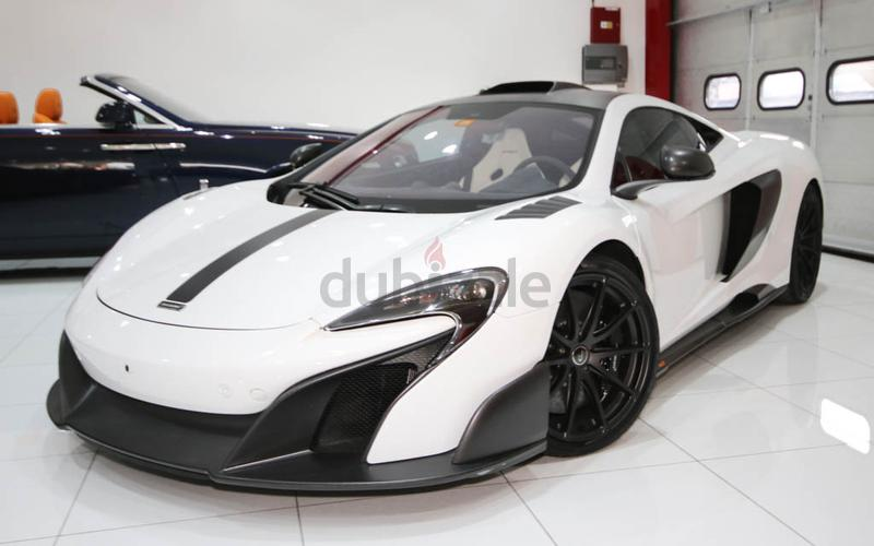 dubizzle dubai 675lt mclaren 675 lt mso 2016 white black brand new warranty until april 2019. Black Bedroom Furniture Sets. Home Design Ideas