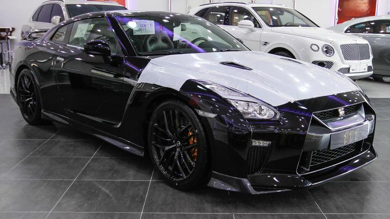dubizzle dubai gt r nissan gtr 2017 black. Black Bedroom Furniture Sets. Home Design Ideas