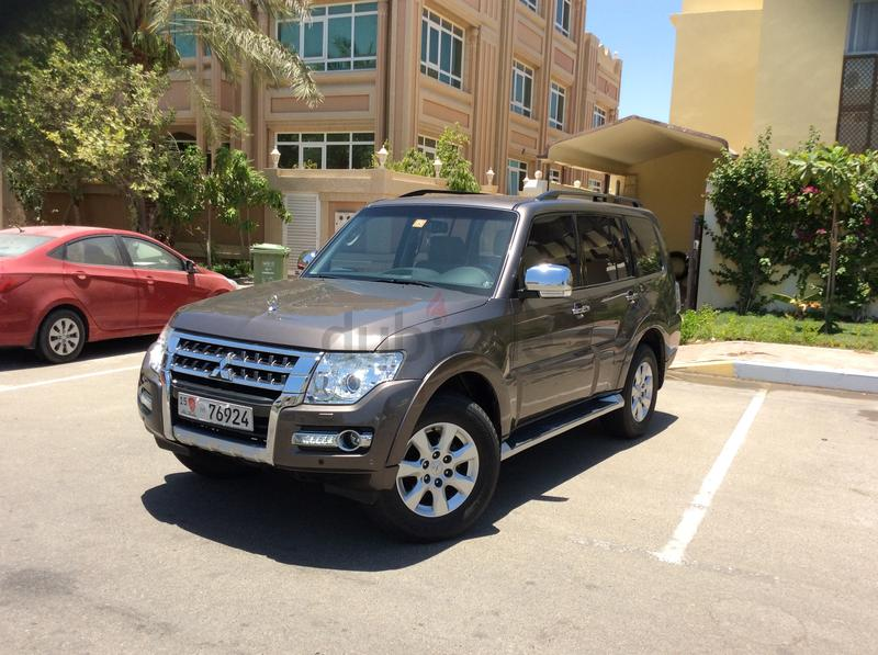 Dubizzle Sharjah Pajero Only 30000 Km Pagero 3500 No1