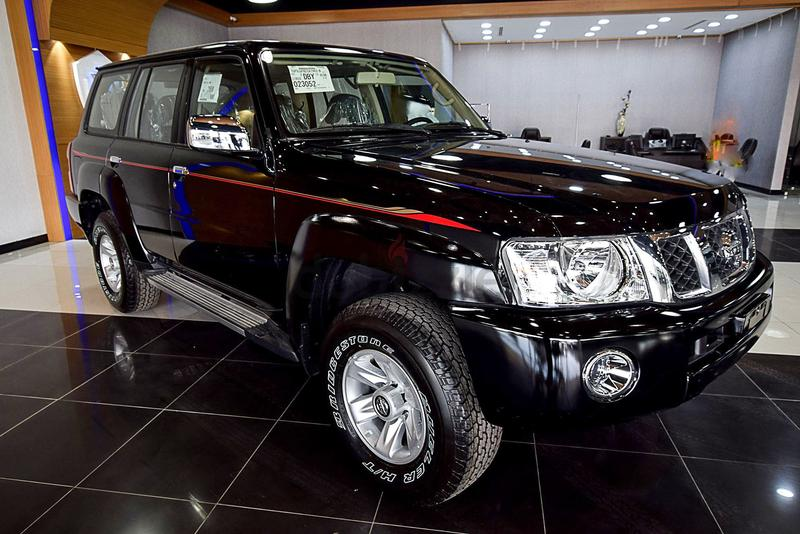 dubizzle dubai patrol nissan patrol safari black 2017 gcc with warranty. Black Bedroom Furniture Sets. Home Design Ideas