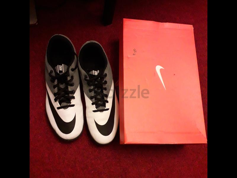 used nike shoes only one time very clean aed 100 d2cb22320