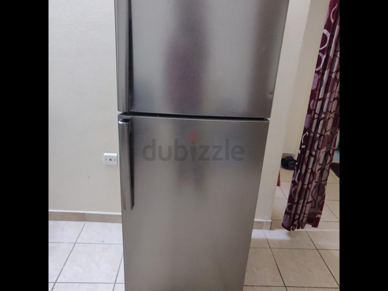 a2f5c112cb2 Scratchless - Almost new Refrigerator for Sale - AED 1