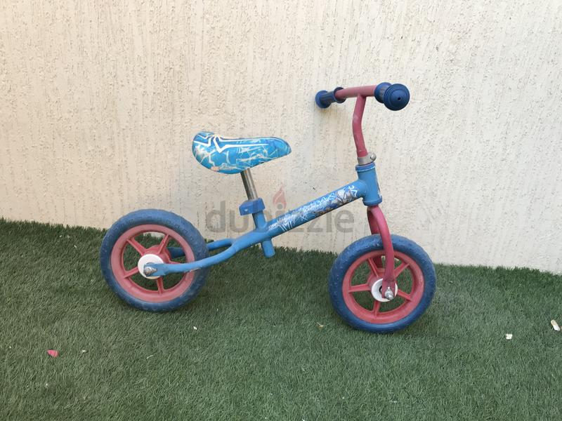 Balance bike / bicycle