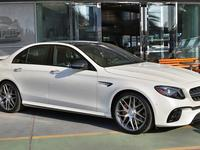 MERCEDES-BENZ E 63 AMG 4 MATIC