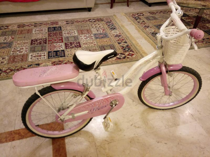 really cute girls bike with basket +bell+stan...