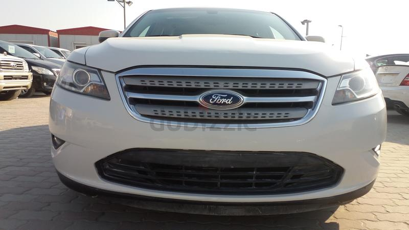 Ford Taurus  Gcc Very Good Coundation