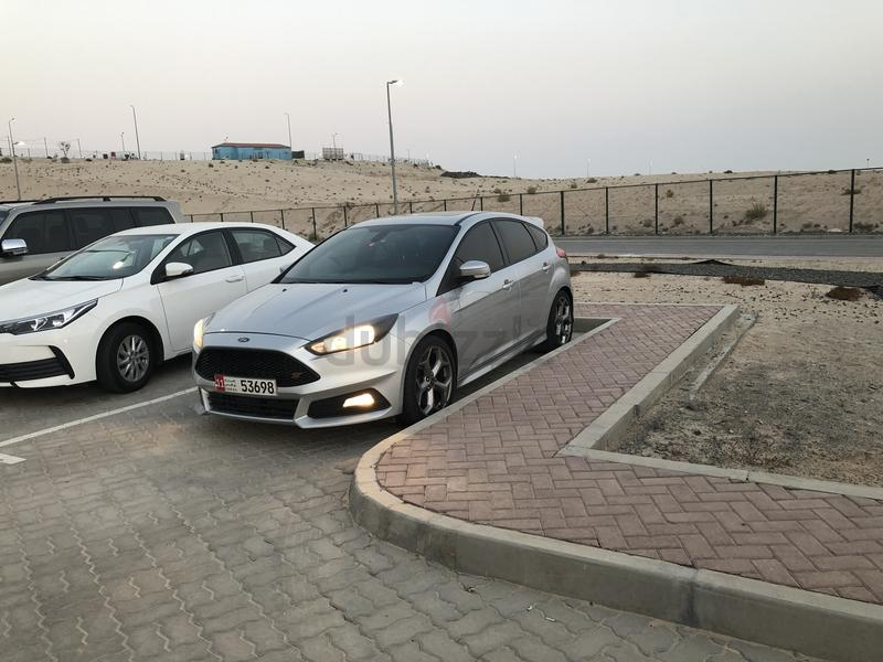 Dubizzle abu dhabi focus ford focus st warranty and service details fandeluxe Images