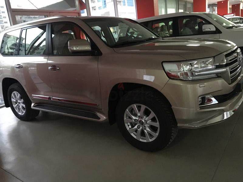 Toyota Land Cruiser 2018 : Brand new land cruiser 2018 , 3500 kms