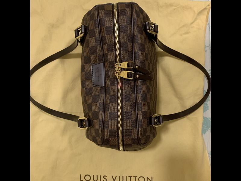 47d25a3416 Louis Vuitton Rivington GM