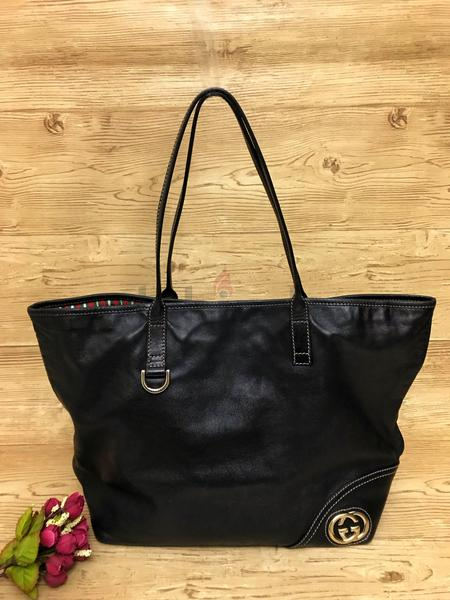 21b33211fc0 SUPER SALE!!!!! GUCCI soft leather tote in black 1200AED ONLY!!!! - AED  1