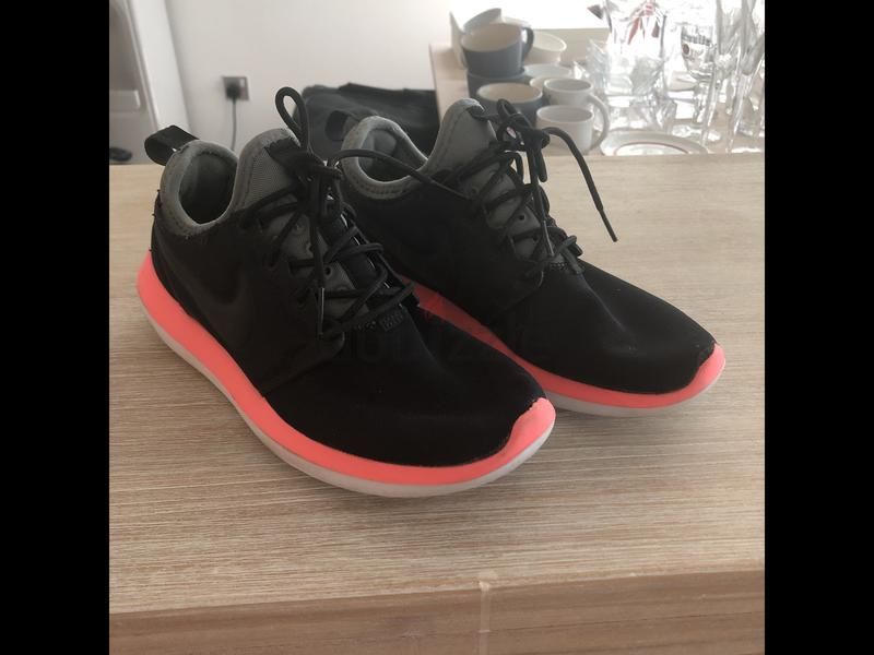 sale retailer e0da8 d074b Nike running shoes roshe run 2 Uk size 4.5 EU 38