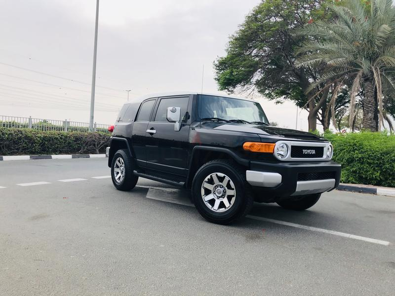 Dubizzle Dubai Fj Cruiser Toyota 2017 Low Mileage Under Warranty With Service Contract