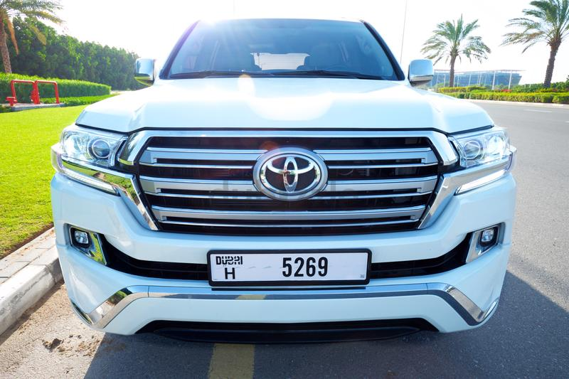 Land Cruiser VXR V8, 2018 Upgrade, Al Futtaim with High Options