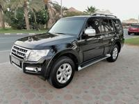Mitsubishi Pajero 2015 Mitsubishi Pajero 3.5 ... Full Option .. Low ...