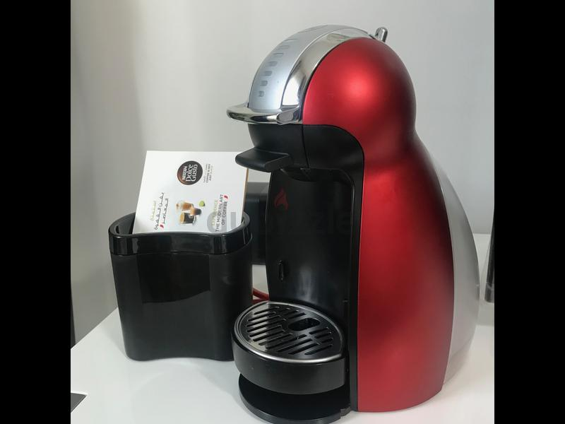 NESCAFÉ Dolce Gusto Genio 2 Coffee Machine - Red